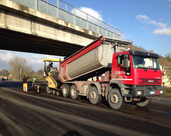 Lavori di asfaltatura - Lerca e C
