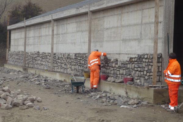 Rivestimento muro in pietra - Lerta - Impresa edile di costruzioni civili e residenziali